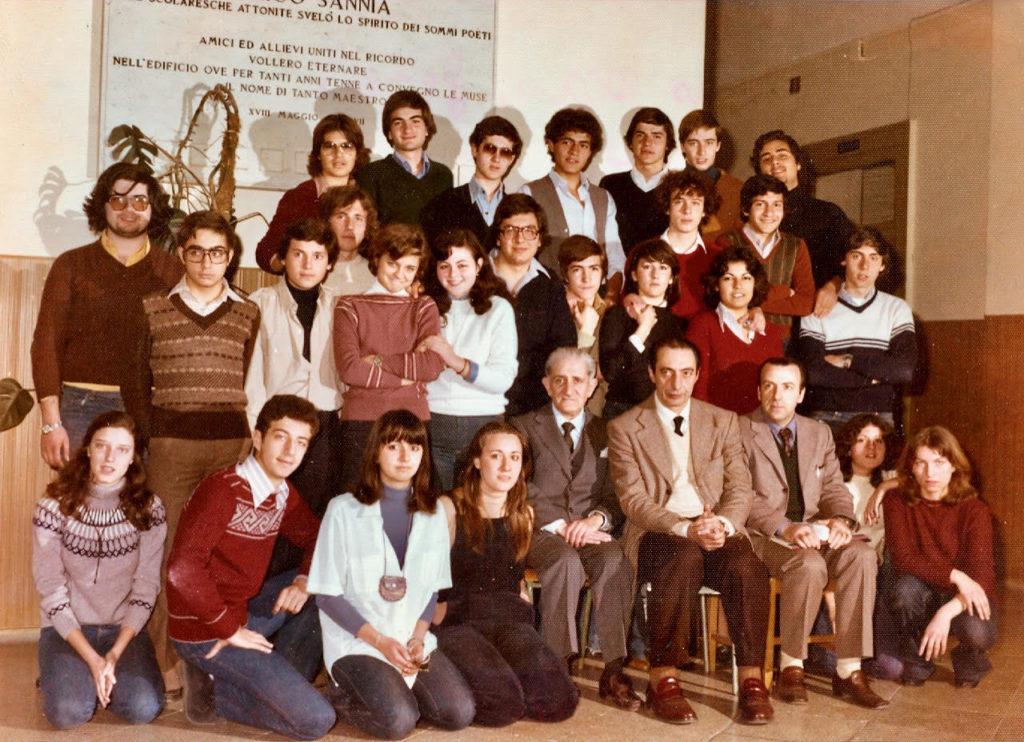 Foto di classe 2^ liceo 1976 – 1977